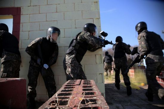 <h1>[양낙규의 Defence Club]오늘부터 예비군훈련… 서바이벌 직접 해보니</h1>