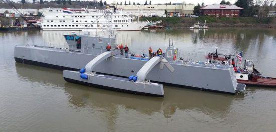 미국 해군은 적의 잠수함을 탐지하고 추적하기 위한 자율 운항 무인 군함 '시 헌터'(Sea Hunter)를 개발했다.