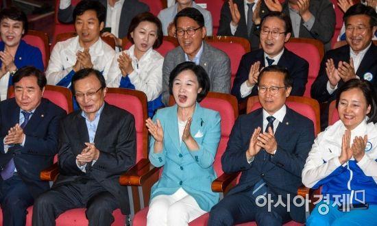 [6·13 민심]광역단체장 출구조사, 與 승률 82.4%…최대 압승 예측