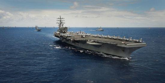 <h1>[양낙규의 Defence Club]해상사열에 참여하는 미 핵추진항모 </h1>