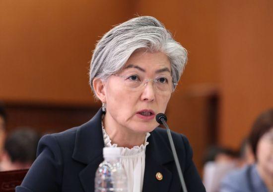 강경화 장관, '말실수' 파장 확산…한미공조 흔들?