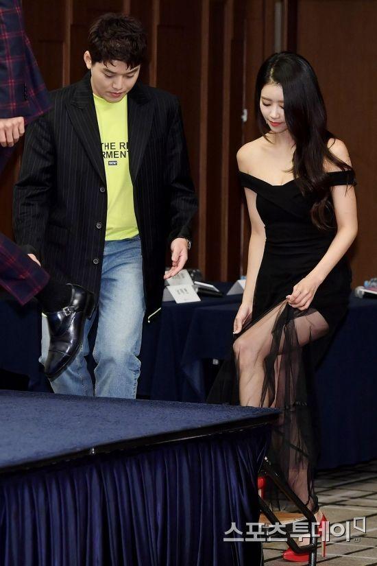 [포토] 아내 이미주 에스코트하는 권혁수