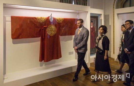 [포토] 조선왕이 입은 홍룡포