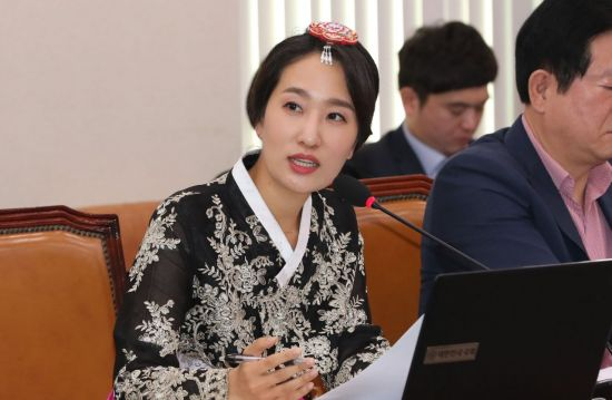 '태권동섭' '품격민석' '한복수민'…문체위 캐릭터 열전