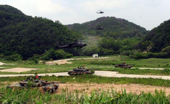 <h1>[양낙규의 Defence Club photo]한미동맹 65주년·SCM 50주년의 역사</h1>