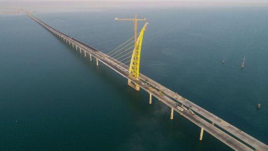 세계 최장 길이 바닷길, 현대건설이 쓰는 건설사