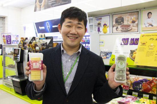"""400만개나 팔린 모찌롤…""""한국인 입맛 맞추려 롤케익 안에 떡 넣었죠"""""""