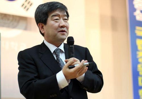 "<h1>창업 40년 최평규 S&T그룹 회장 ""스스로 운명을 개척하자""</h1>"