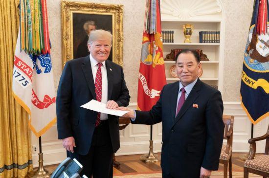北·美 정상간 '친서 외교'…3차 회담·북핵 협상 복원되나(종합)