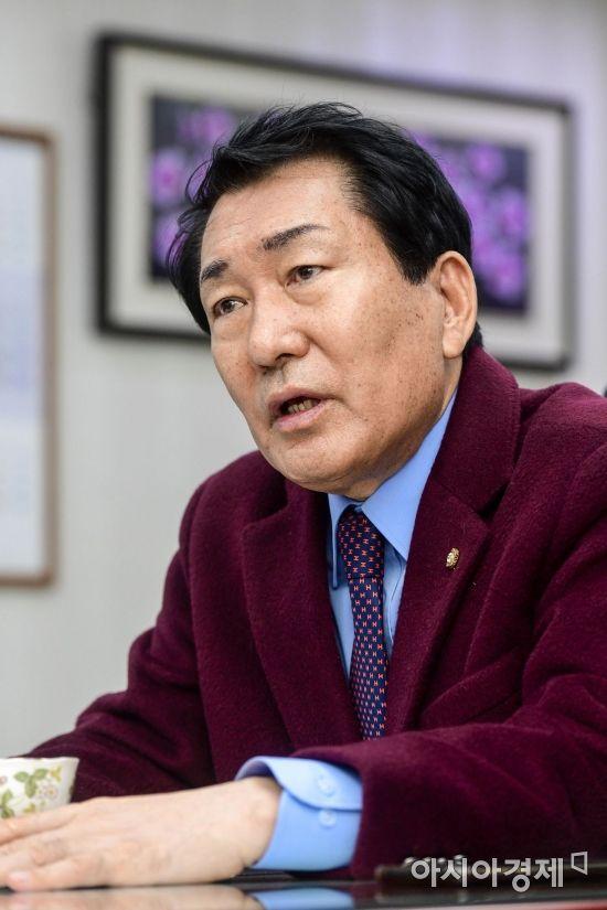 """[당권주자 인터뷰]안상수 """"김정은 영웅환대 안돼…국민과 저항할 것"""""""
