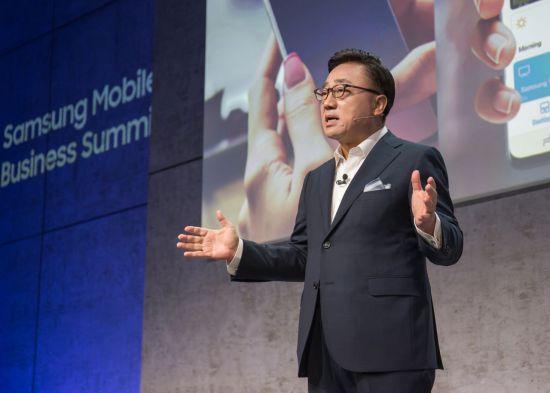 """고동진 삼성전자 사장 """"5G·AI, 3년 내 '스마트폰 르네상스' 일으킨다"""""""