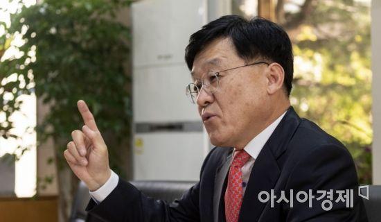 """[아시아초대석]정만기 """"환경·안전 규제 지나치게 많아, 전면 재검토해야"""""""