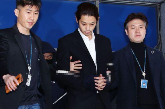 """""""정준영·최종훈 등 5인에 집단 성폭행 당해"""" 피해 여성 등장"""