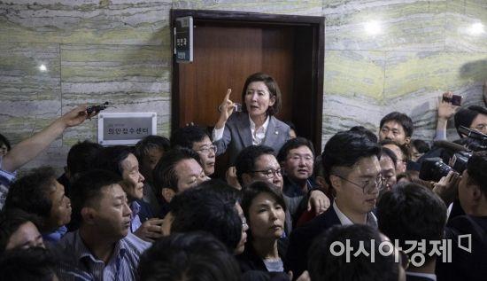 """""""어딜가도 싸움터""""…폭력으로 얼룩진 '난장판 국회'(종합)"""