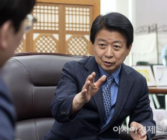 [정치, 그날엔…] '국민검사' 안대희, 현실 정치의 벽 경험한 '마포대전'