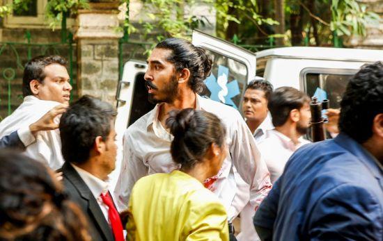 [트레일러]뭄바이 비극으로 조명하는 희생의 가치
