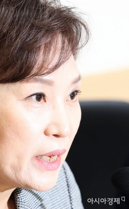 """김현미 """"수도권 버스요금 인상, 안전사회 마중물"""""""