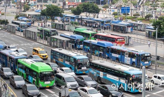 얼마들지도 모르는 '버스 준공영제'로 급한 불 끈 정부