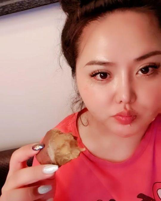 [포토] 홍진영 언니 홍선영 '몰라보게 갸름해진 얼굴'
