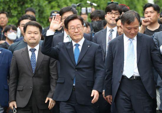 """'친형 강제입원' 이재명 경기지사 1심서 무죄…""""정당한 업무"""""""
