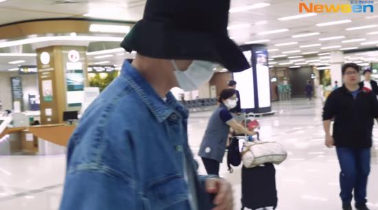 비인두암 투병 김우빈, 봉축법요식·일본여행 근황 '눈길'