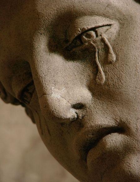 [이용범의 행복심리학] 우리는 왜 눈물을 흘리는가?