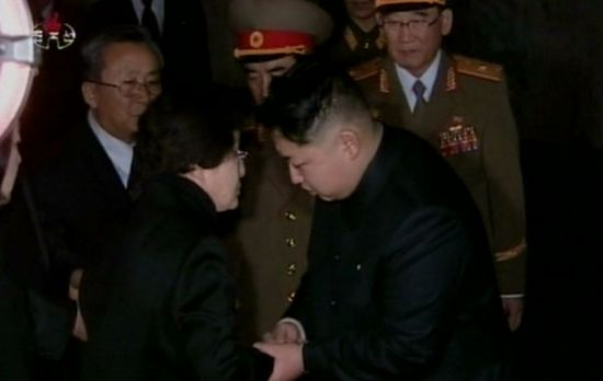 김정은, 李여사 조문단 대신 조화…김여정 통해 최대한 예우(종합)