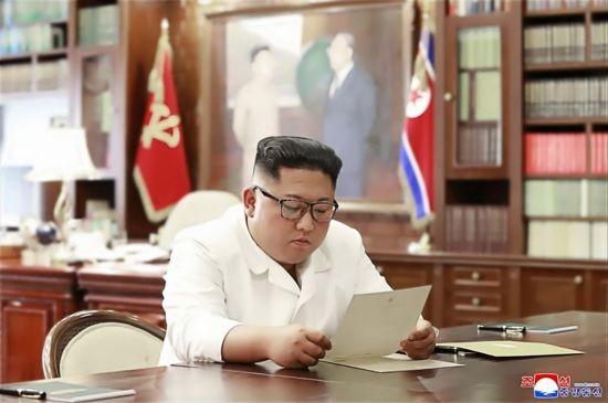 """트럼프 """"김정은에 보낸 건 감사편지…전쟁 위기 안 느껴져"""""""