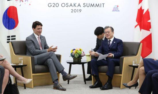 문 대통령, G20 마치고 귀국…오늘 트럼프와 만찬
