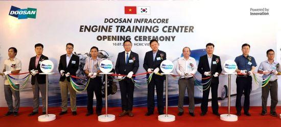 두산인프라코어, 베트남에 엔진 트레이닝 센터 설립