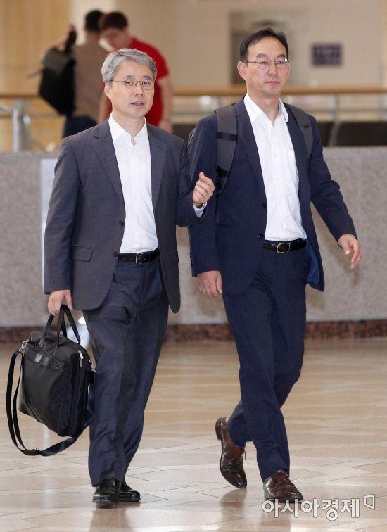 [포토] 도쿄로 출국하는 수출규제 관련 실무자들