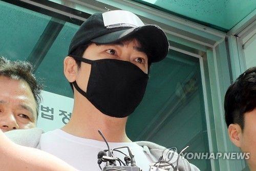 """[전문]""""머리숙여 사죄"""" 강지환, '성폭행 혐의' 인정…소속사 계약 해지"""