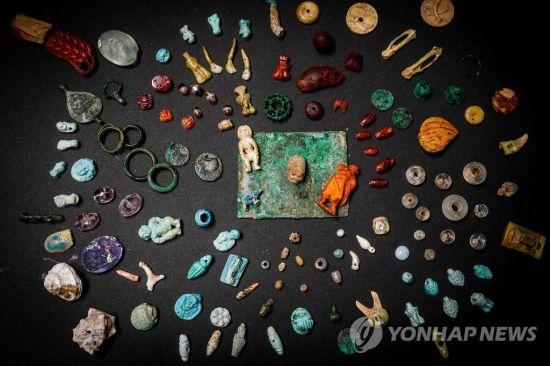 [포토] 이탈리아 폼페이서 2천년전 여성 장신구 대거 발굴