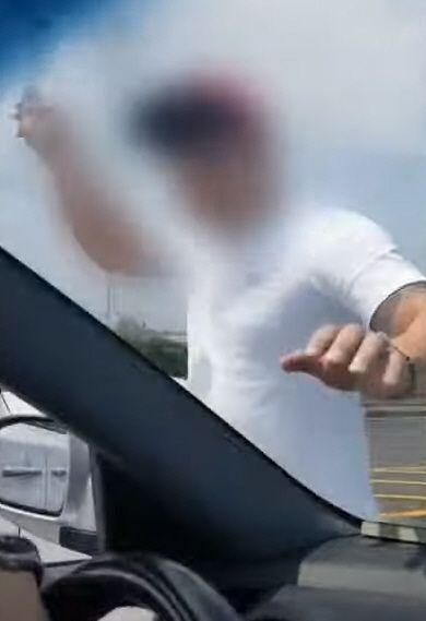 """[종합]제주도 카니발 폭행 가해자 입건…""""카니발 운전자 엄중 처벌"""" 청원"""