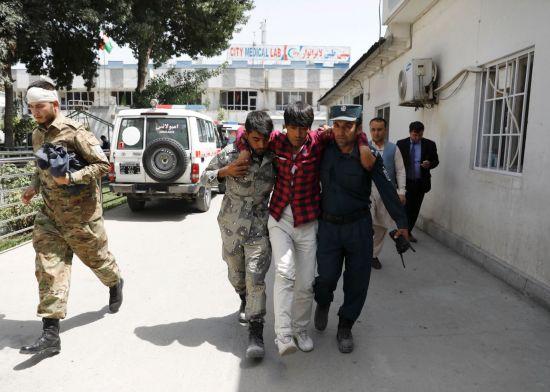 아프간 수도 결혼식장서 자폭테러…수십명 사상