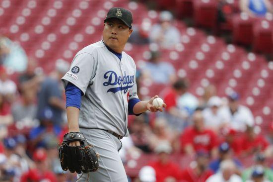 류현진 연속타자 홈런 허용…5⅔이닝 4실점 패전 위기(2보)