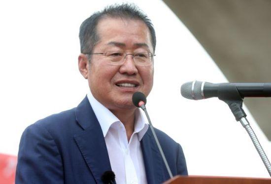 """홍준표 """"내가 검사라면, 조국 의혹 1시간 안에 자백받는다"""""""