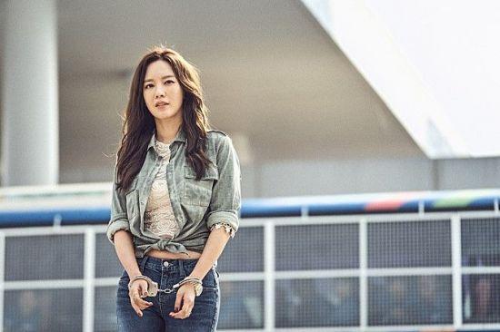 '타짜: 원 아이드 잭' 추석연휴 전초전 압승…매출점유율 47.6%