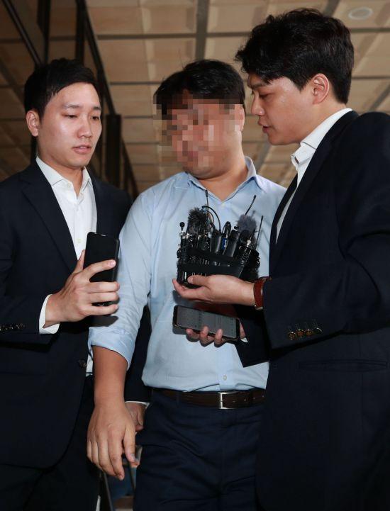 '조국 5촌 조카' 체포, '사모펀드' 운용사·투자사 대표 재소환까지…검찰 수사 탄력