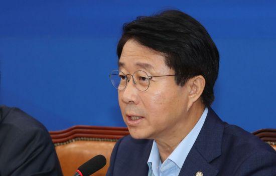 """與 """"조국 사법개혁 지원 위해 당정 협의 개최…역량 총동원"""""""