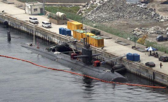 미 해군의 원자력 추진 잠수함 오클라호마시티호(SSN Oklahoma City)가 지난 7월28일 부산 해군기지에 정박해 있다. (사진=연합뉴스)