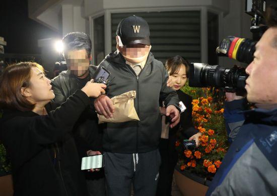 曺장관 동생 영장 기각… 위장소송 수사 '빨간불'