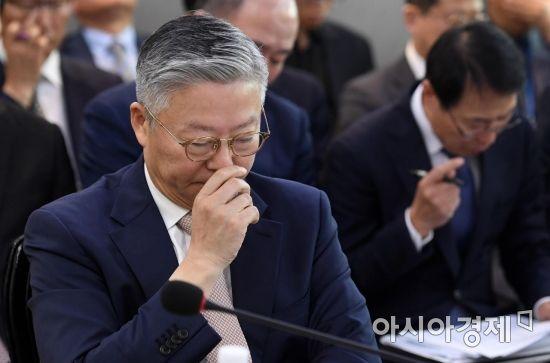 [포토] 생각에 잠긴 김연수 서울대병원장
