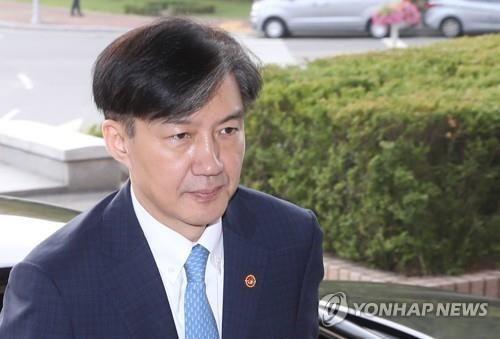 """주진우 """"조국 사퇴 결정적 계기, 며칠 전 부인 정경심 뇌종양 진단 때문"""""""