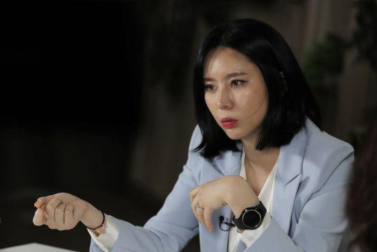 외교부, 경찰 요청에 '배우 윤지오' 여권 무효화 조치 완료
