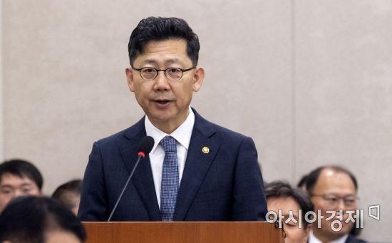 """농식품 장관 """"ASF 차단 모든 역량 총동원…WTO 개도국 문제 신중 검토"""""""