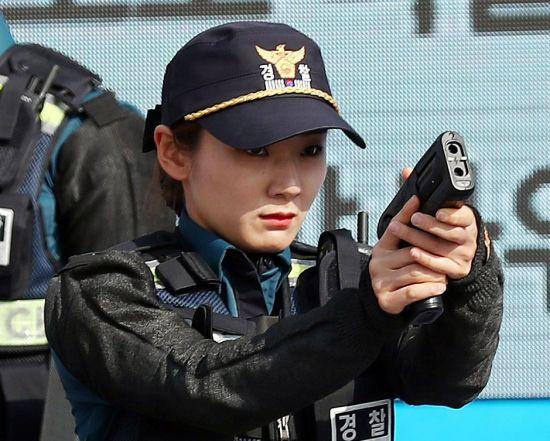 [포토] '체포해버리겠어'