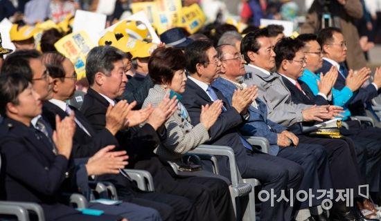 [포토]박수치는 박원순 서울시장