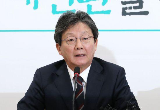 """유승민 """"황교안과 전화통화…'탄핵 묻고 가자' 얘기는 전혀 없었다"""""""