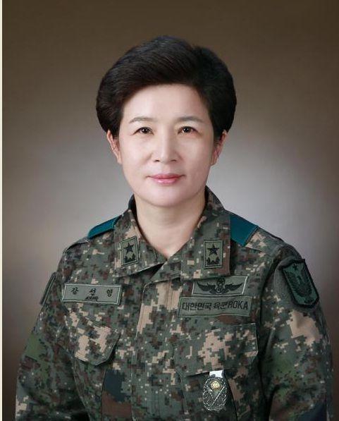 강선영 준장, 여성 첫 '투스타' 진급…정부 장군인사 단행